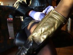Warm handjob with dark and latex leather gloves