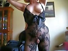 Blong granny with hairy armpits shows pussy