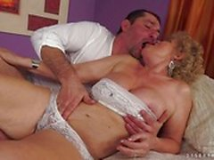Cock filling old woman Effie