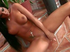 Sizzling honey Ashley Bulgari can't wait to gets the perfect orgasm she wanted