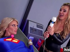 Horny Catwoman seduced a busty Supergirl
