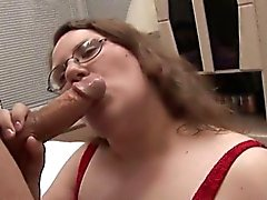 Man fingers and bonks luscious pussy of one chubby woman