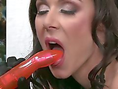 Kendra Lust and Rachel Starr ass toying fun