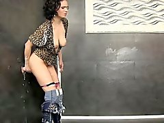 Wam glam slut cum soaked