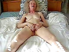 Amateur old lady masturbation