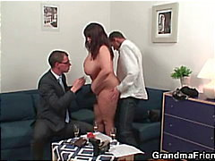 Fat bitch gets double fucked after photo session
