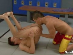 Sporty jocks Dante Escobar and Seth Roberts eating and fucking their asses