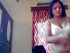 Indian Aunty 1211