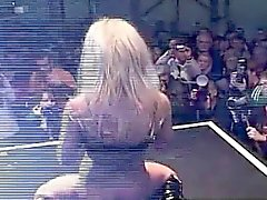 Busty Silvana fingering for 10000 spectators