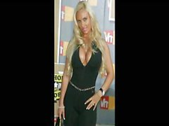Blonde babe Nicole Coco Austin is a slideshow of hot pictures