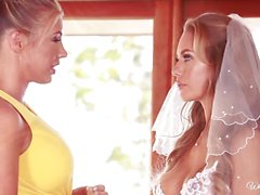 Bride to be Nicole Aniston last lesbian fling with Samantha Saint