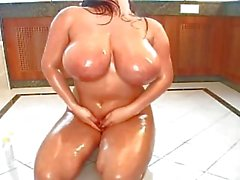 Bea Flora oiled in Lovely body 2 of 2