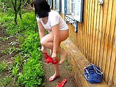 I Pee in the village in the morning)